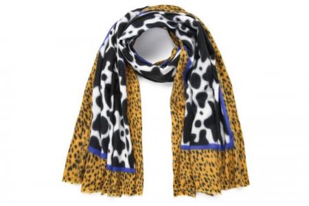 sjaal met koeienprint en cheetahprint