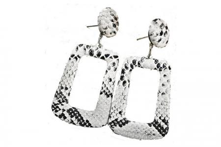 snakeprint oorbellen