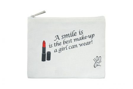 Canvas make-up tasje A SMILE IS THE BEST MAKE-UP A GIRL CAN WEAR!